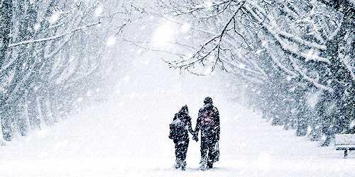 عشق با زمستان می آید و معجزه می کند...