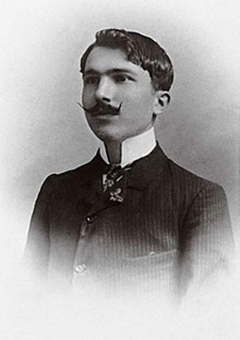 نیکوس کازانتزاکیس